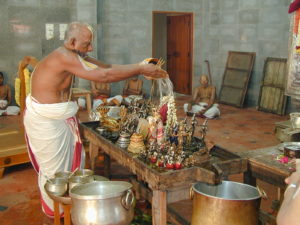 Worship Shiva with this method in the Savan Month In hindi