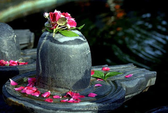 before-knowing-the-place-of-shivling-in-the-house-you-must-know-these-things-2