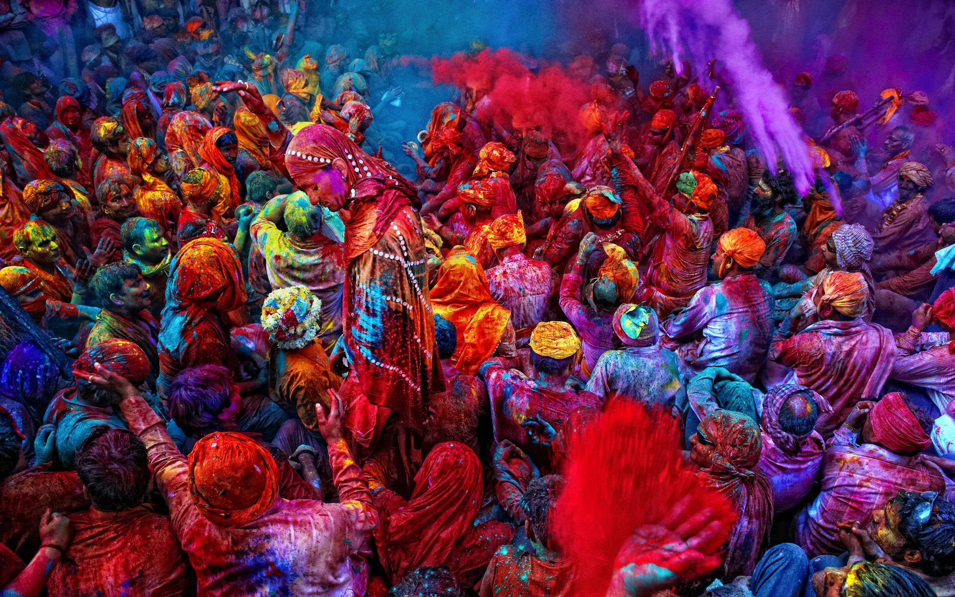Know How Holi is Celebrated in Various Indian States