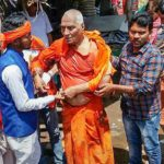 Activist Swami Agnivesh Attacked By BJP Workers In Jharkhand Swami Agnivesh Arya Samaj