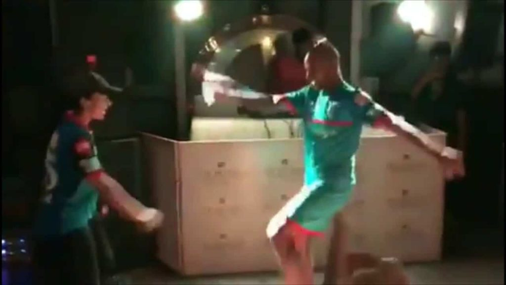 Shikhar Dhawan dancing with his wife, Delhi capitals - IPL 2019 , viral video
