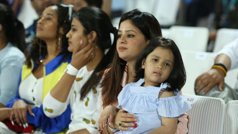 IPL 2019: Ziva Dhoni CHEERING His Father MS Dhoni During IPL Match 2019
