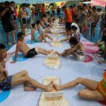 toe wrestling contest held in china